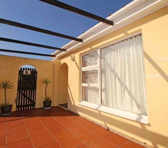 3 Bedroom Family Home, In the Heart of Bothasig